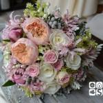 "Ramo de novia realizado con rosa inglesa David Austin ""Juliete"", rosa Akito, rosa ramificada rosa, brunia, peonias, nerine, bouvardia, sedum  y hojas de senecio."